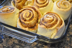 peanut-butter-and-jelly-cinnamon-rolls_08