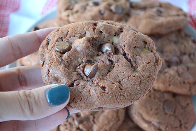 Chocolaty Toffee Chocolate Chip Pudding Cookies