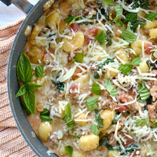 One Pot Cheesy Sausage & Spinach Gnocchi