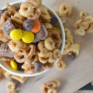 Peanut Butter Lovers Snack Mix