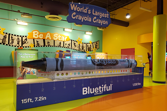 World's Largest Crayola Crayon in Crayola Expereince