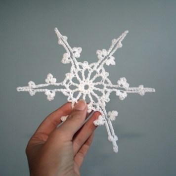 """copo de nieve a ganchillo, visto en """"I am a Mess Blog"""""""