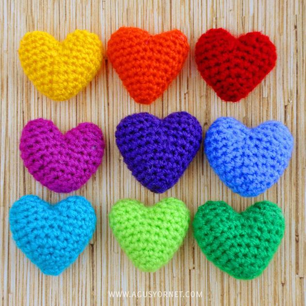 corazones a ganchillo