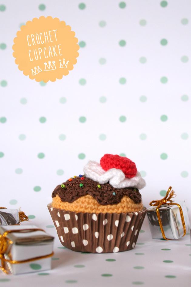 """Crochet cupcake, noche de reyes, visto en """"I am a Mess Blog"""""""