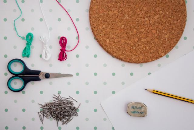 String Art con corcho, materiales