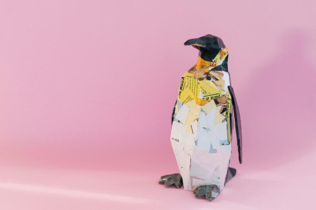 Cómo crear un pingüino con cartapesta paso a paso