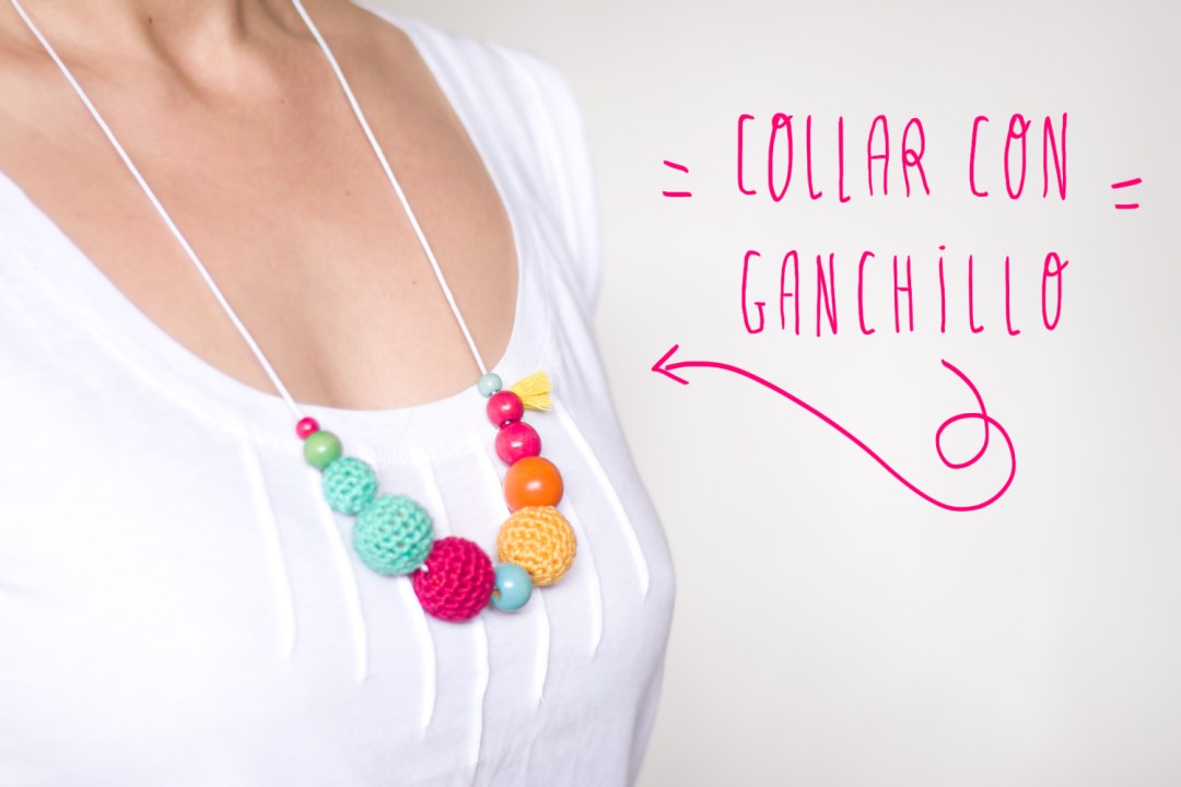 "collar con bolas de ganchillo, visto en ""IamaMess Blog"""