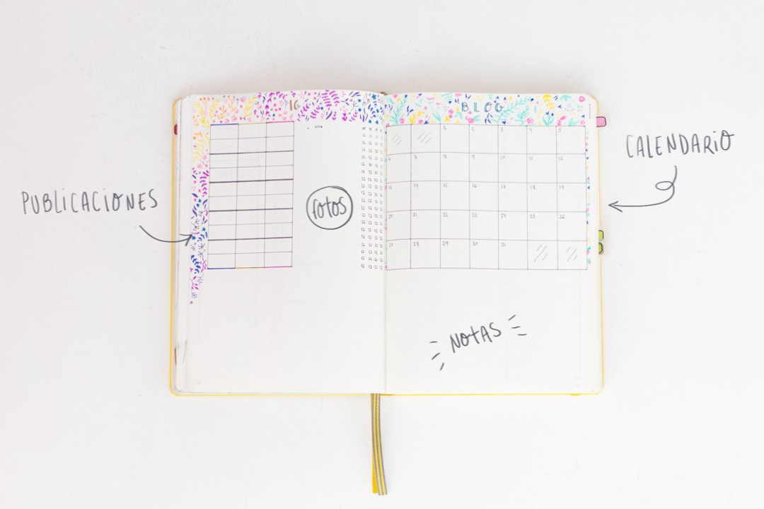 "Organización del mes en el Bullet Journal, visto en ""I am a Mess Blog"""