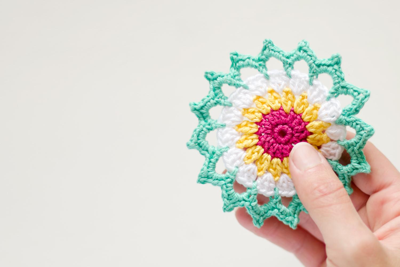Cómo hacer un mini mandala de ganchillo muy sencillo