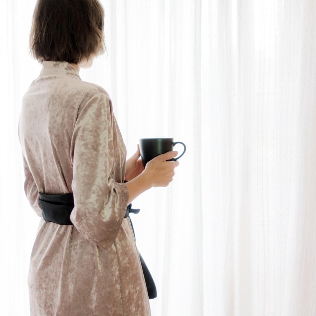 Bata Kimono DIY paso a paso con patrón. Visto en IamaMess blog