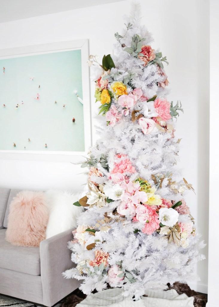 "Inspiración: Árboles de navidad blancos. Visto en ""I am a Mess Blog"""