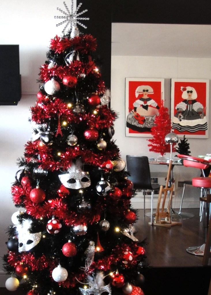 """Inspiración: Árboles de navidad negro. Visto en """"I am a Mess Blog"""""""