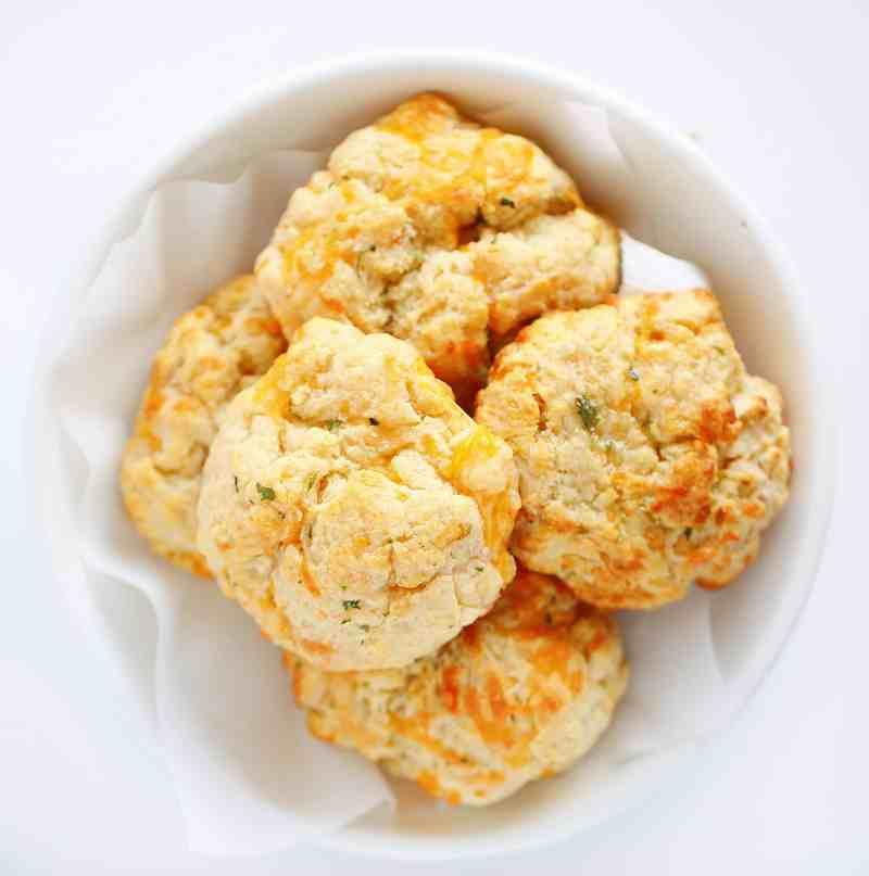 Cheesy Garlic Biscuits