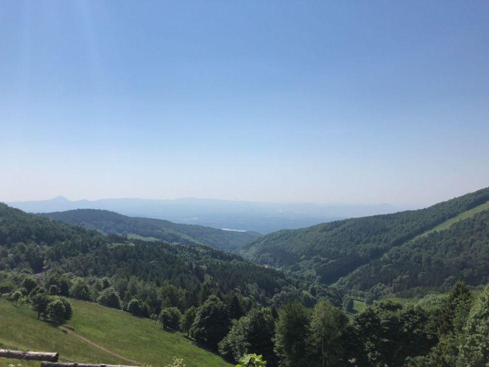 Blick vom Erzgebirgskamm ins Böhmische Becken