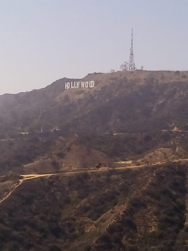 famous-hollywood-sign-2015