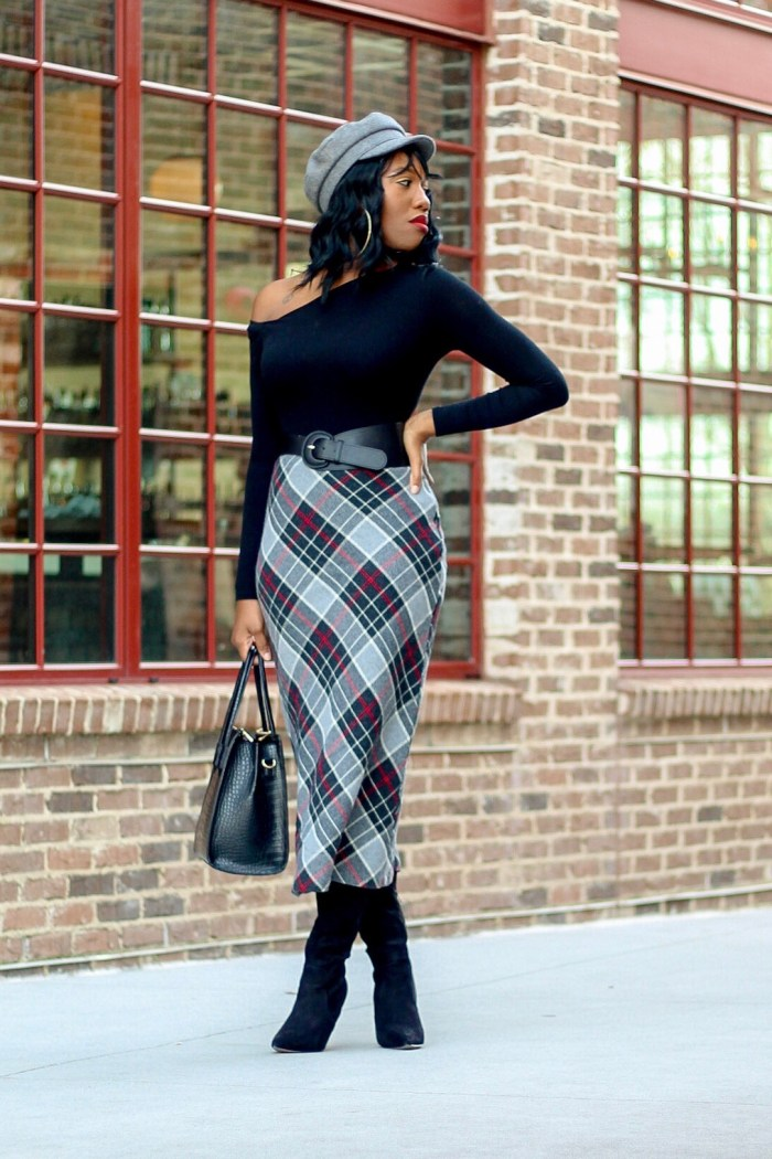 A Chic Wool Pencil Skirt For Winter