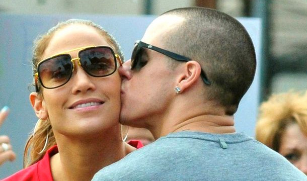 Jennifer-Lopez-Casper-Smart-On-The-Outs