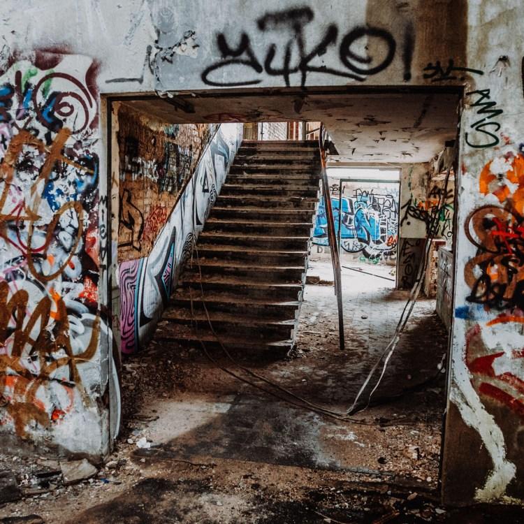 iamlost verlassene orte lostplace lostplaces urbex urban exploring nrw niederrhein gütherbahnhof duisburg loveparade