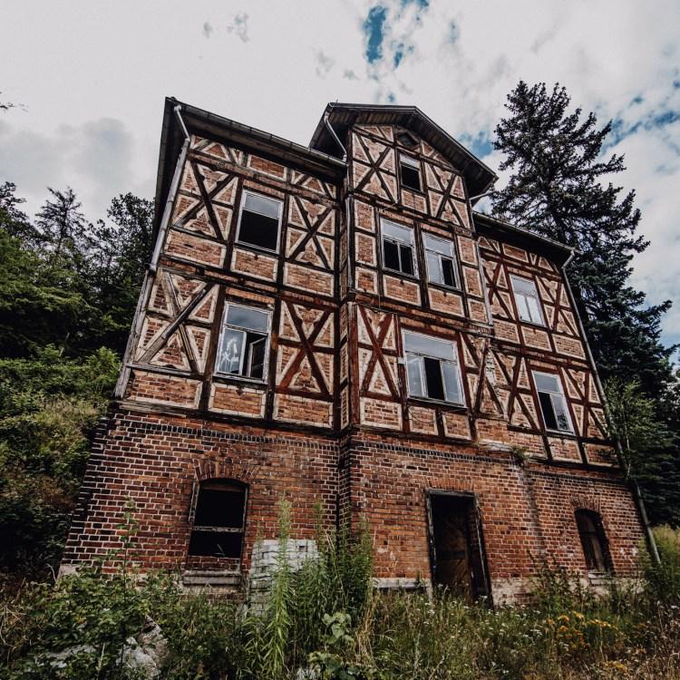 iamlost verlassene orte lostplace lostplaces urbex urban exploring Thueringen eisenach villa am Roesesche Hölzchen
