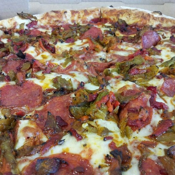 Saggios Green Chile Pizza