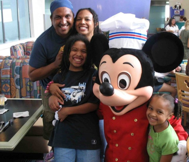 how to plan a trip to disney world - chef mickey - http://iamsherrelle.com