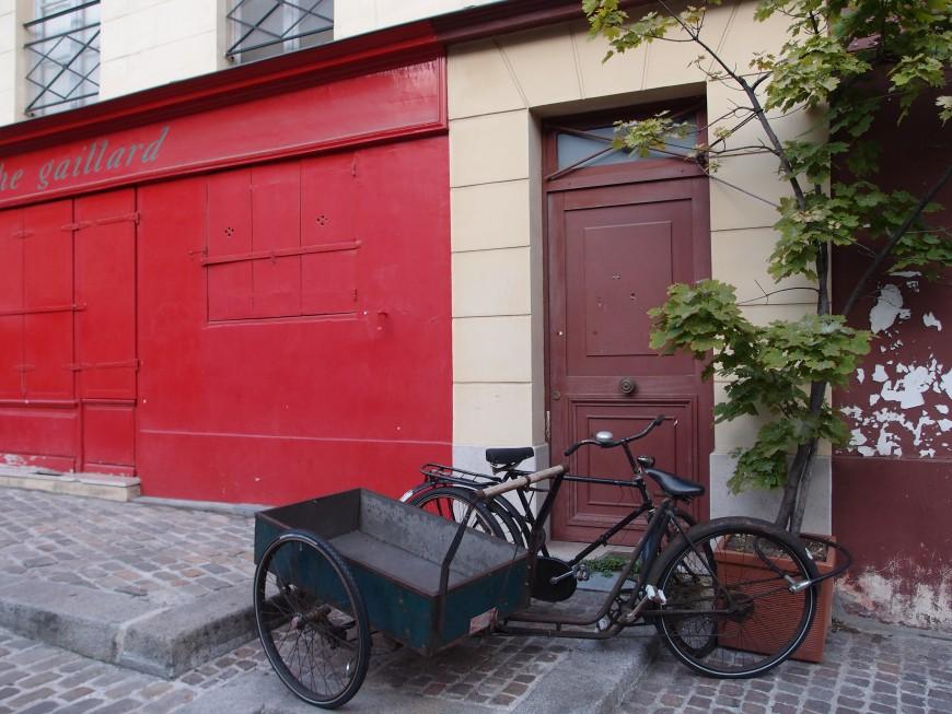 Paris bike scene http://iamsherrelle.com