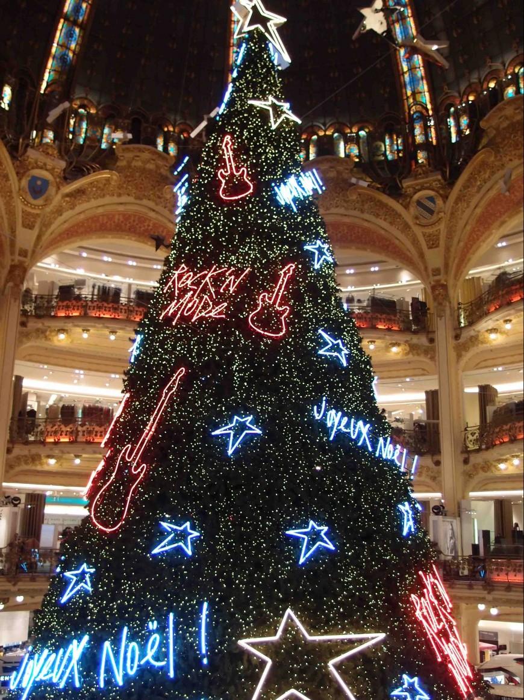 Paris-Galeries Lafayette Tree http://iamsherrelle.com