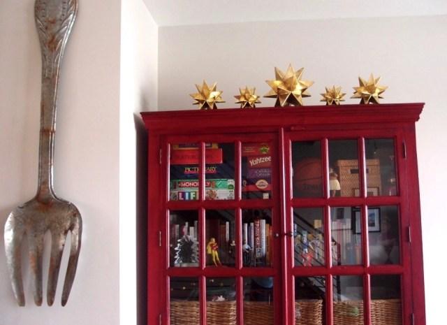 Modern Christmas Decor-Gold Stars http://iamsherrelle