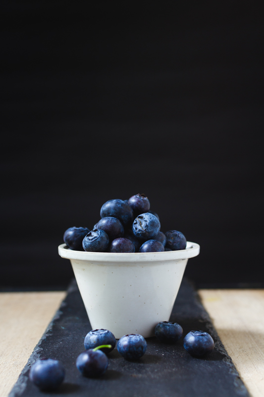 blueberries iamsombra food styling