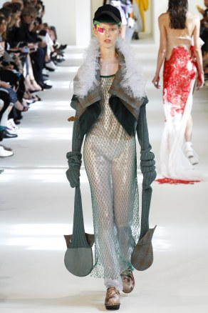 fall-2016-couture-maison-martin-margiela-19