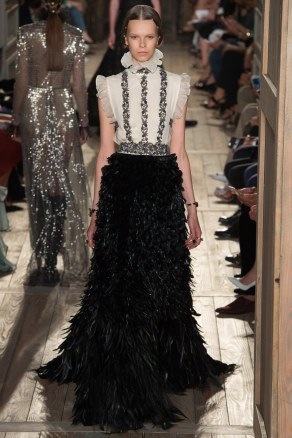 fall-2016-couture-valentino-52