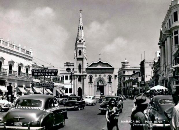 Plaza Baralt en los años 50. Foto rep. Trono Chiquinquireño