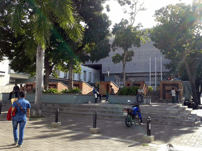Plaza El Cristo desde el Bulevar Córdoba. Foto: Alejandra Suárez.