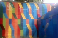 Mural de Juvenal Roja que daña diseño original de los patios del parque, cuyas paredes exteriores debían permanecer neutras. Foto Carlos Crespo.