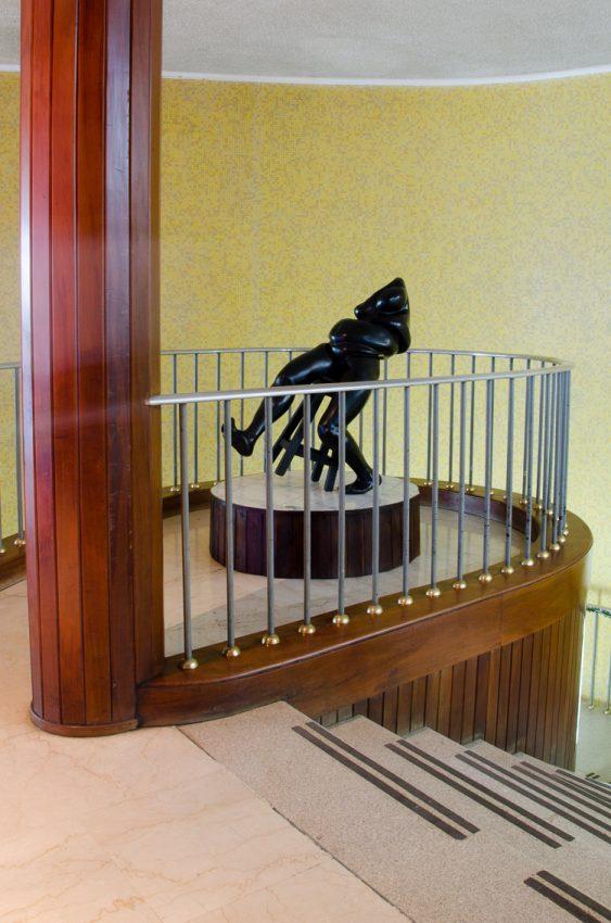 escultura-ibelise-lagos-biblioteca-3