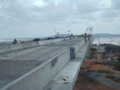 Tablero del puente Orinoquia en construcción.