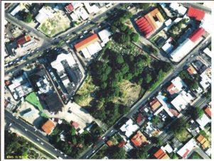 Vista aérea del Cementerio El Carmen, hoy en plena ciudad.