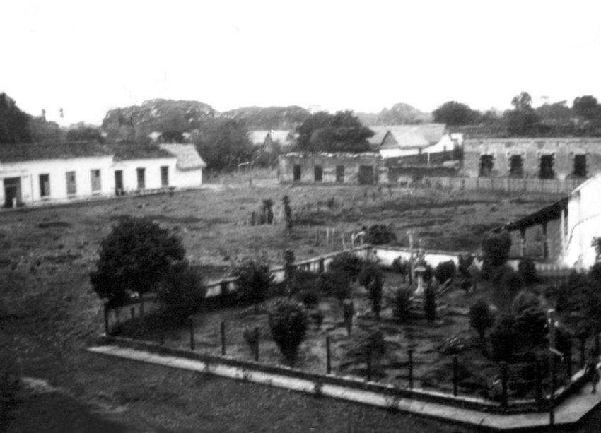 Vista externa del ruinoso palacio del marqués en los años 30. Foto archivo del Cronista oficial de Barinas. Dig. M. Araque.
