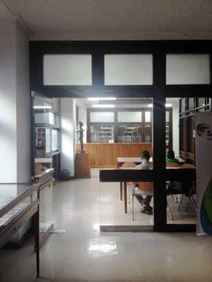 Sala de lectura, Planta Baja. Biblioteca Central UCV. Foto: Mayerling Zapata López.