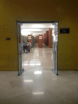 Entrada Sala de Ciencias Puras. Biblioteca Central UCV. Foto: Mayerling Zapata López.