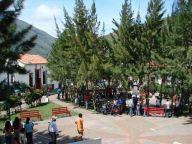 Plaza Bolívar, centro social de La Quebrada. Foto Rafael Acosta_Venelogia.com