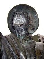 Vandalismo a la escultura de Domingo Peña, noviembre 2005. Foto Samuel Hurtado Camargo