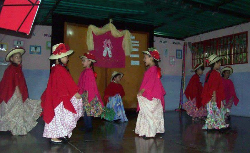 Actividad cultural, Foto cuenta FB del centro cultural, mayo 2013.