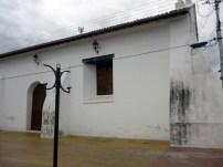 Puerta y ventana laterales de la iglesia San Nicolás de Bari. Foto Marienla Araque, 2017.