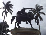 Lateral derecho de la estatua ecuestre del Libertador. Foto Samuel Hurtado Camargo, 28 de mayo de 2017