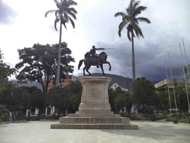 Monumento al Libertador Simón Bolívar en la plaza de Mérida, Venezuela.