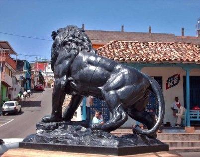 León del mercado de Capacho. Trujillo, Venezuela.