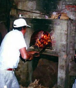 Aún se hace panela en las ruinas del trapiche San Pablo, en el estado Trujillo, Venezuela.