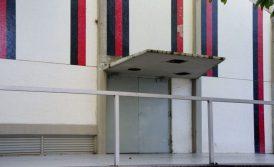 """Estado del techo de la Escuela de Odontología y de la monumental obra """"Policromías"""", de Omar Carreño. Ciudad Universitaria de Caracas. Ciudad Universitaria de Caracas, Patrimonio de la Humanidad desde el año 2000. UNESCO."""