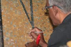 Restauración del mural de Oswaldo Vigas, en el rectorado tras un acto vandálico en el interior de la UCV. Ciudad Universitaria de Caracas. Patrimonio Mundial de Venezuela.